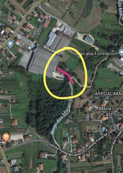 Medio Ambiente pecha por seguridade un aceso ao paseo do Rego Maceiras debido a forza das riadas.