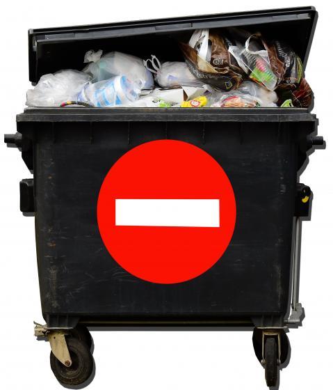 Concellaría de medio ambiente denuncia pegada de carteis en Saxamonde