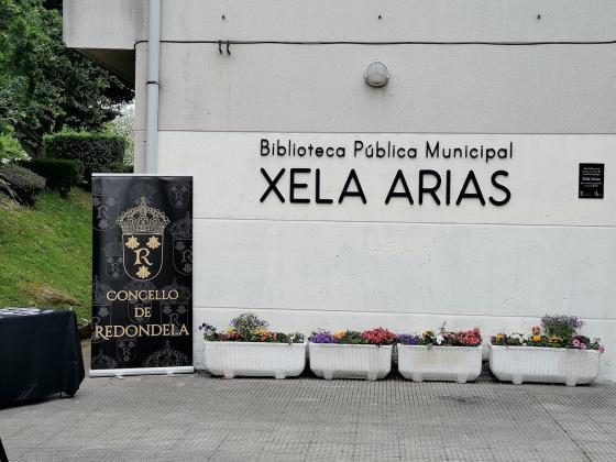 Unha biblioteca para Xela Arias
