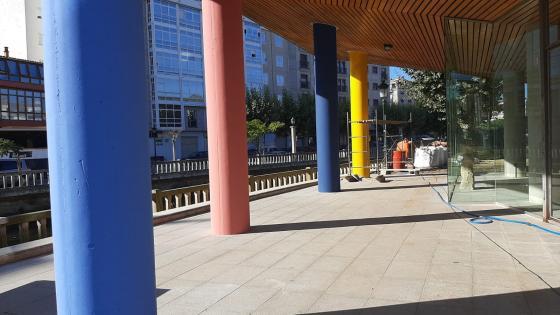 El Ayuntamiento recupera y pone en valor a entorno del  Multiúsos de la Xunqueira