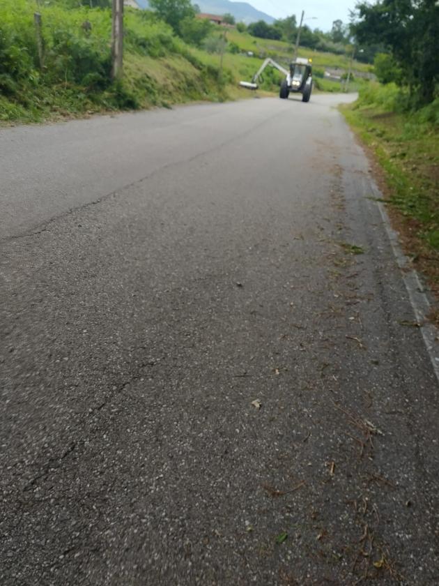 Once persoas en situación de desemprego inician hoxe os traballos de roza e limpeza de camiños e estradas de titularidade municipal