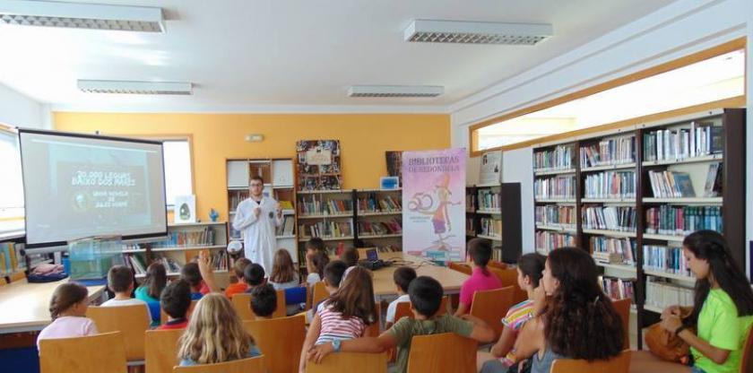 Taller de submarinos en la biblioteca municipal